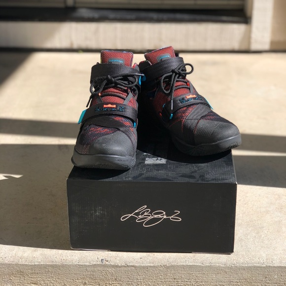 db638dfd8825 Nike Lebron James Zoom Soldier 9 Men s Sz 14 RARE.  M 5bc274aff63eea90aa63ea9c